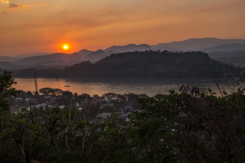 Sunset from the top of Mount Phou Si