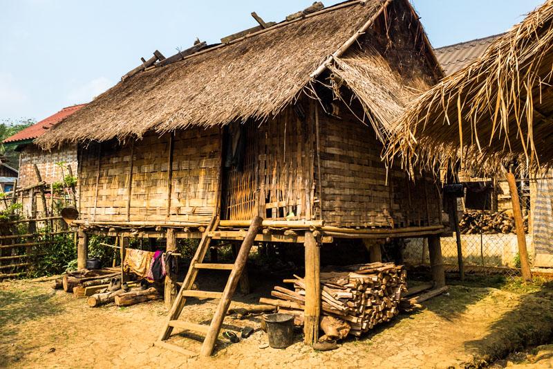 hill_tribe_village_luang_prabang.jpg