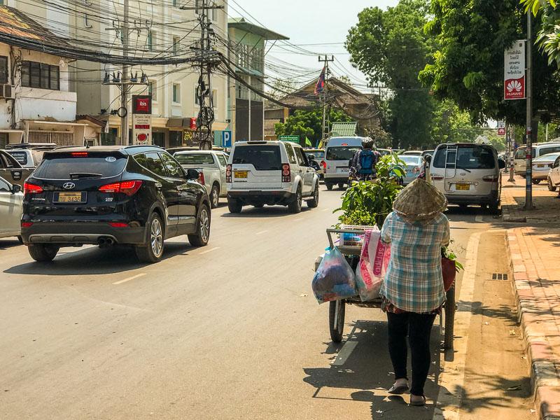 street_cart_vientiane.jpg
