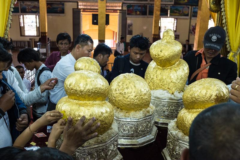 buddhas_phaung_daw_oo_pagoda_inle_lake_myanmar.jpg