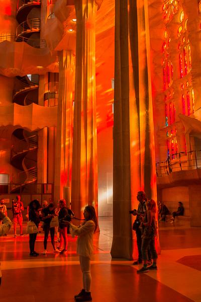 inside-sagrada-famílía-orange-glow.jpg