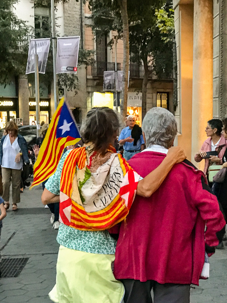 old-ladies-walking-to-catalan-protest.jpg