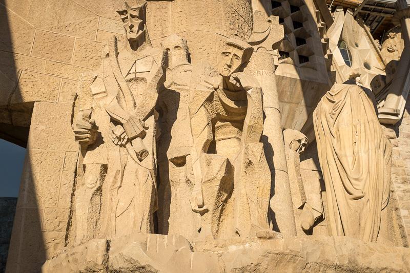 amazing sculptures that form part of Sagrada Famílía