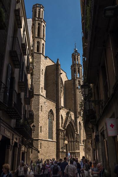 barcelona-narrow-street-with-church-at-the-end.jpg