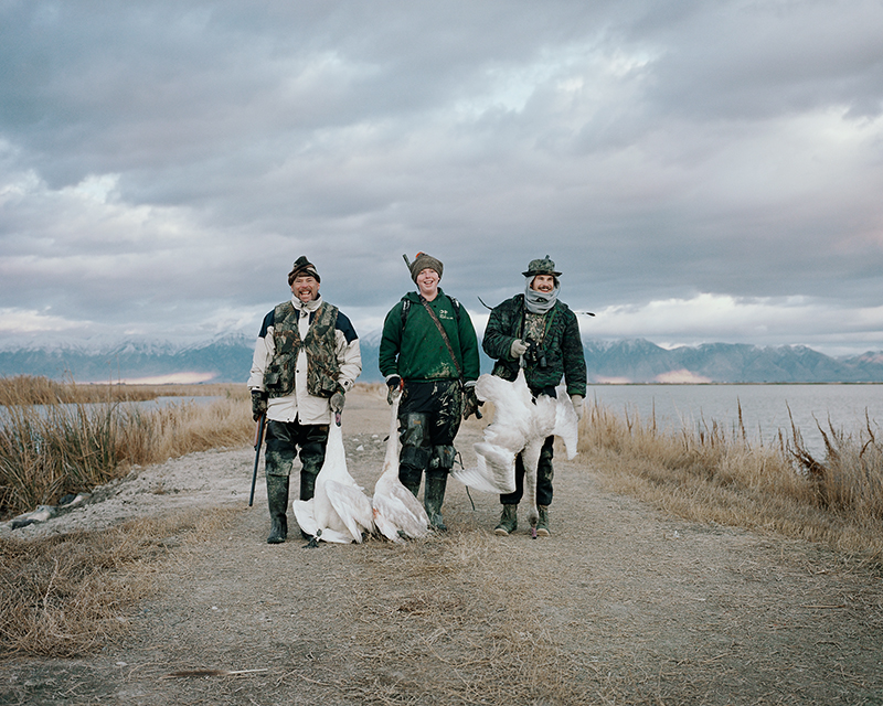 10_Three Hunters With Swans.jpg