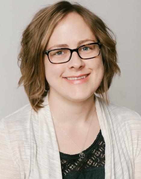 Stefanie Beniek headshot on soft background