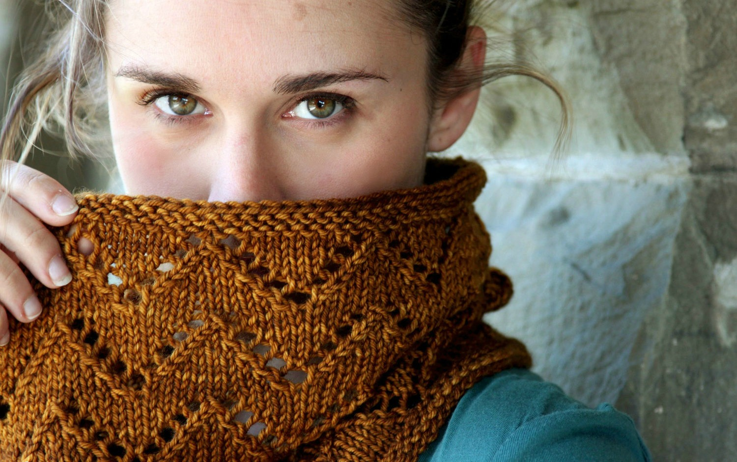 Downton Cowl pattern by VeryShannon.com #downtoncowl