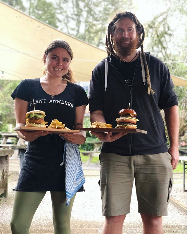 Rich and Rach have been whipping up some of our finest burgers today!  From 5pm-8pm tonight come and get some delicious burgers with chunky wedges. We have something for everyone vegans included 💚🌱 #burgers#rotoruanz#vegan#foodporn#okerefalls#food#plantbased#veganfood