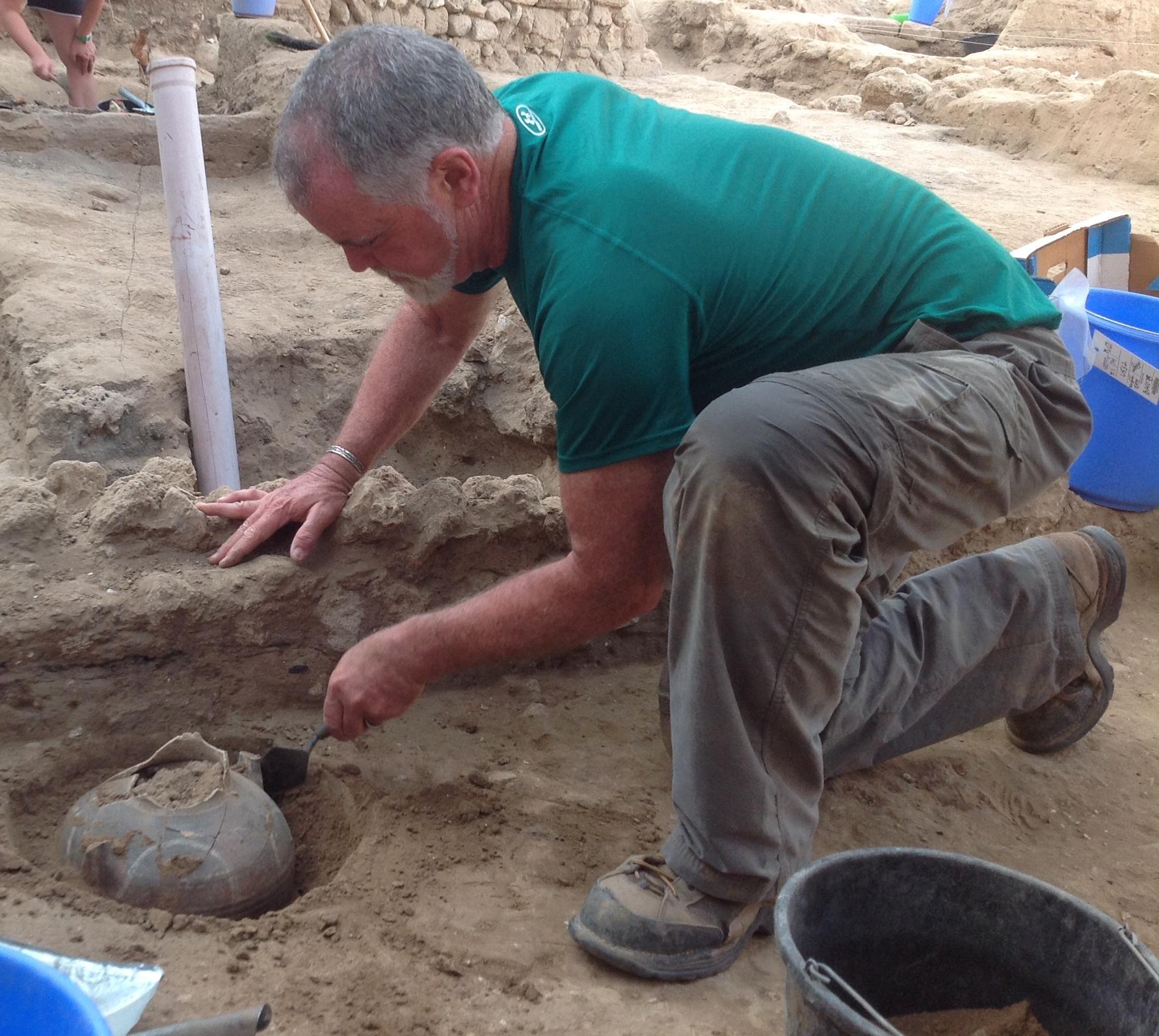 Excavating a sunken jar
