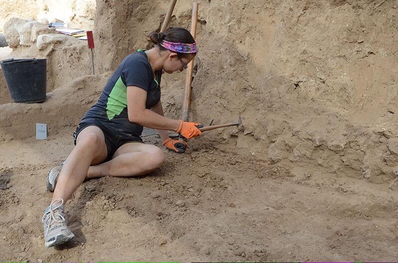 Tori excavating Grid 51