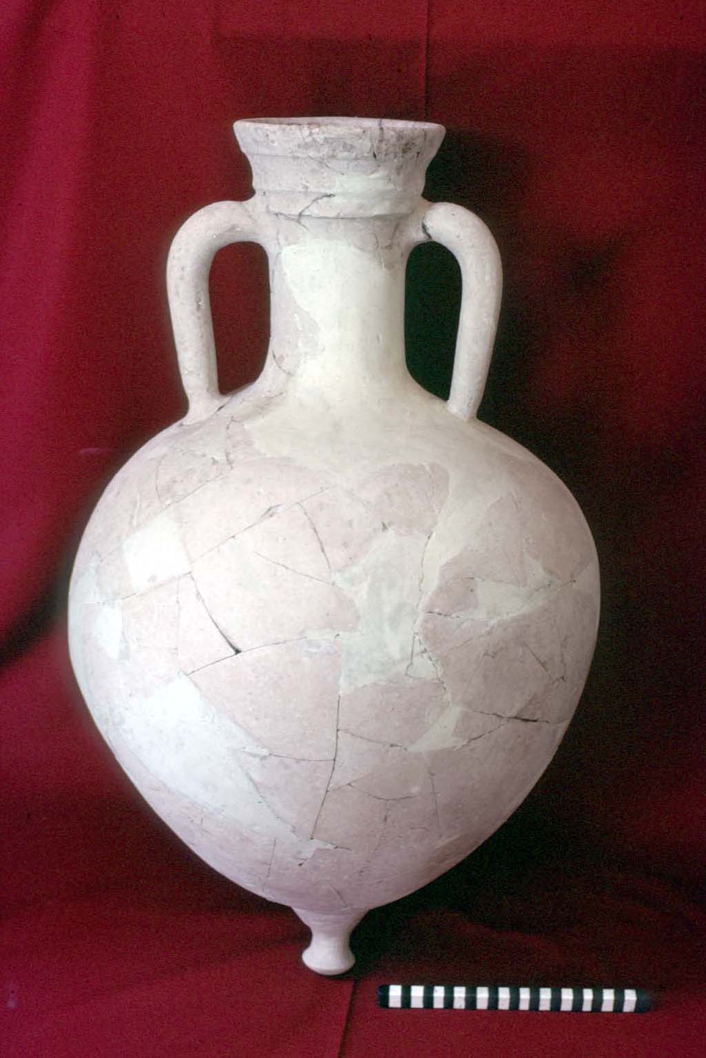 """Brindisi"" amphora dating to the Hellenistic period"