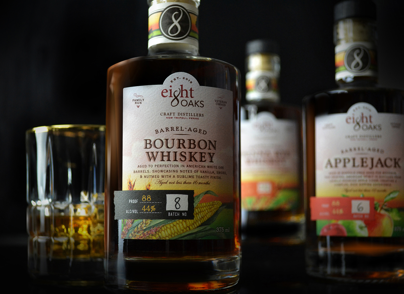 Eight Oaks Distillers Bourbon Whiskey