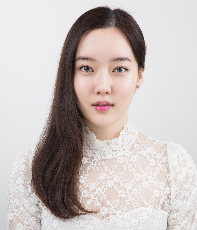 008_Min gang Kim, 22 years old.jpg