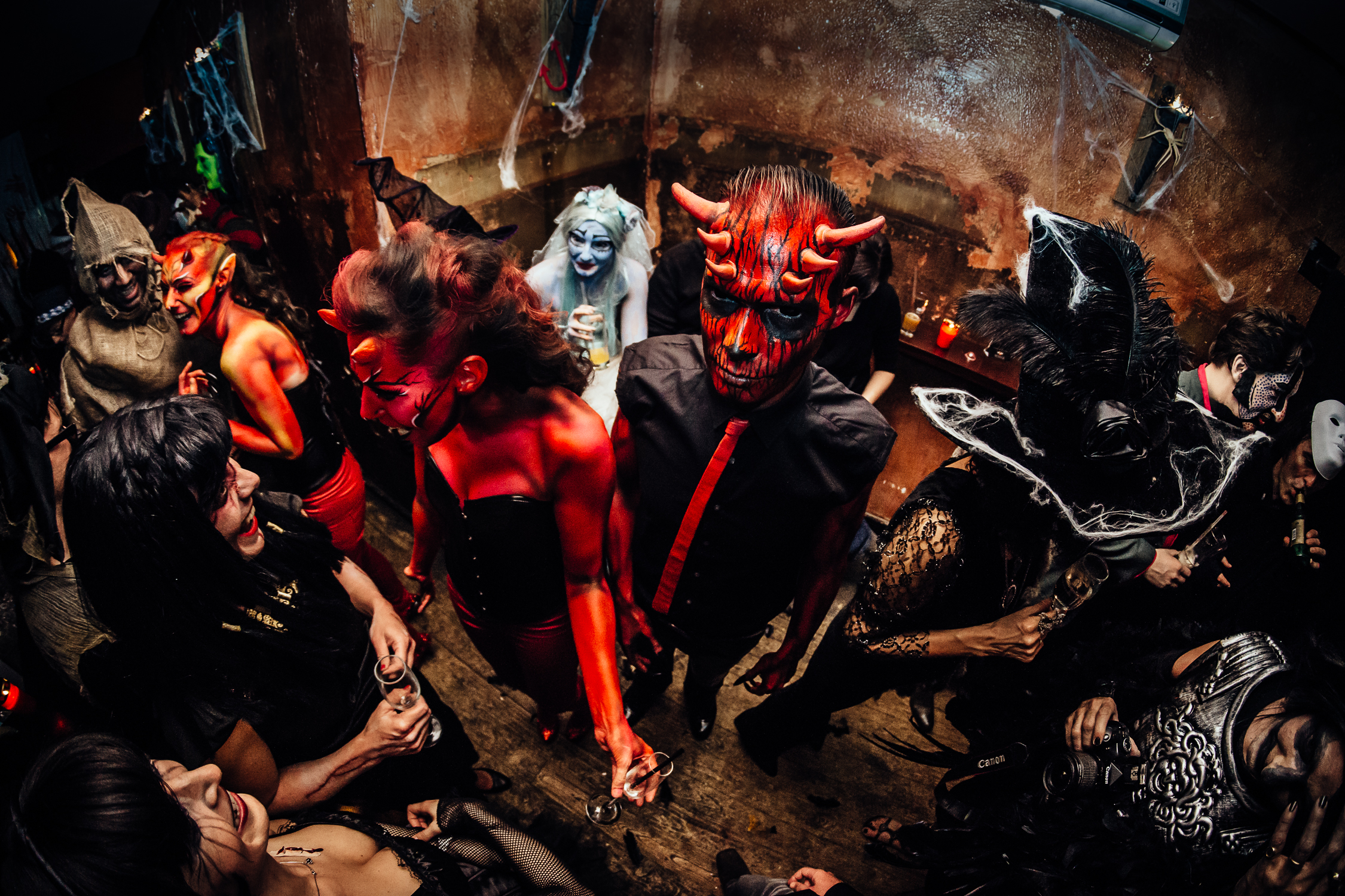 between devils