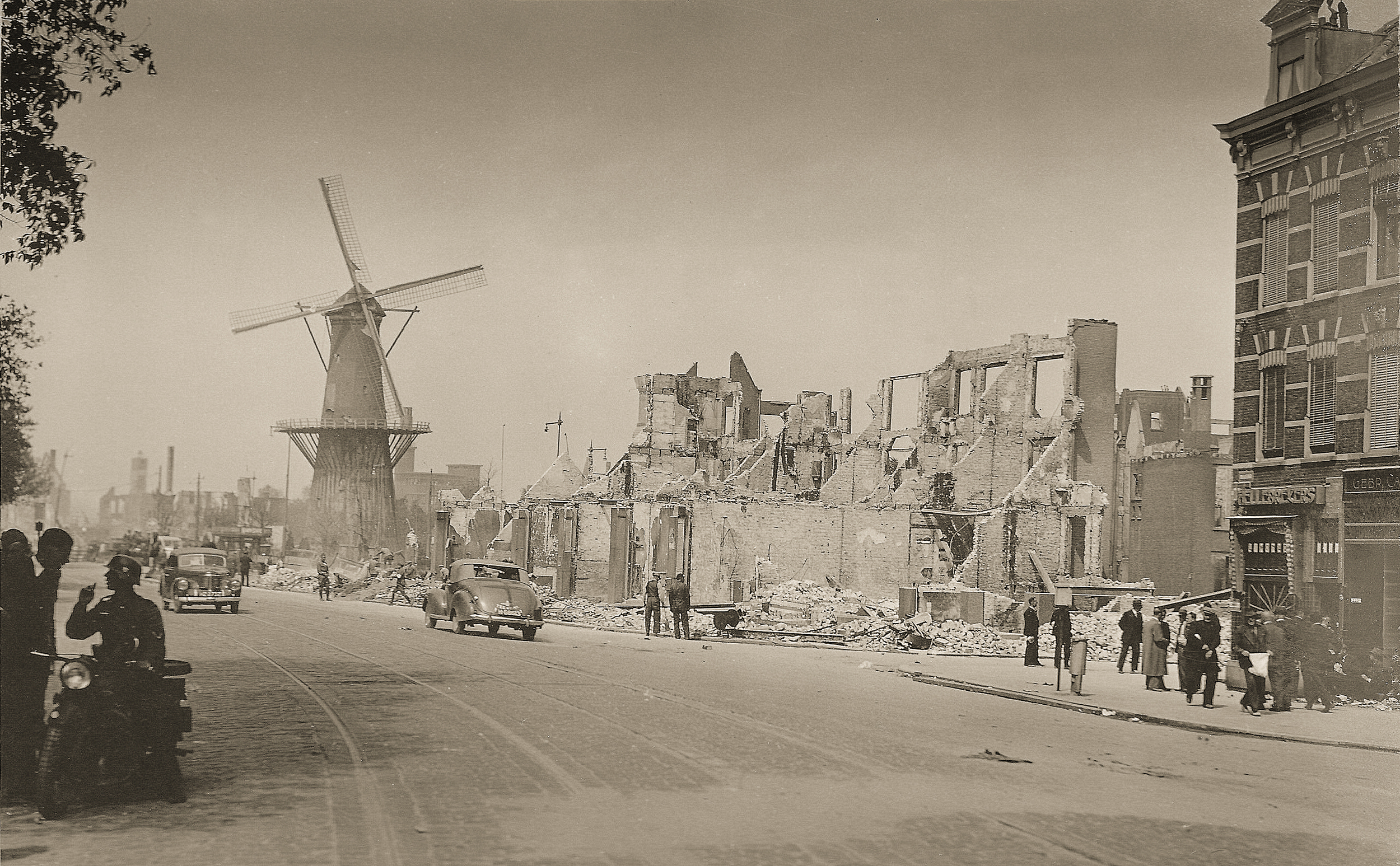 photo MarcelBerendsen taken May 1940 during the Nazi invasion of Holland