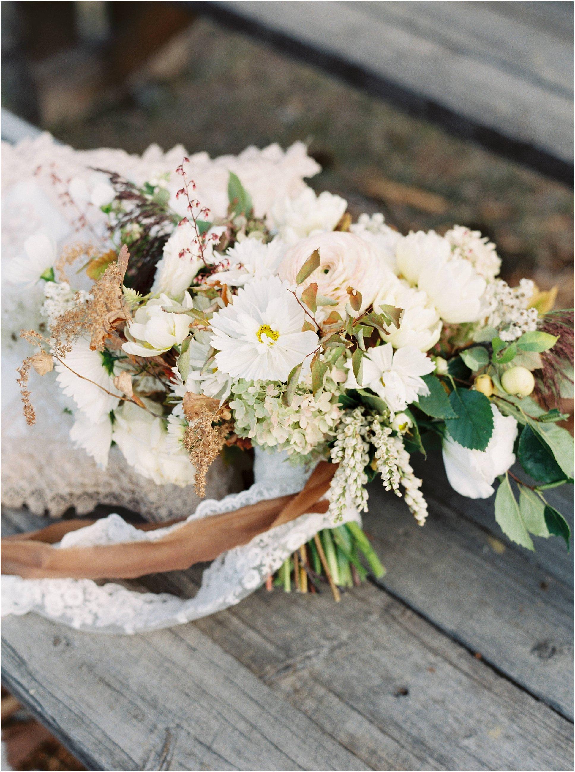 montana_wedding_jeremiahrachelphotography_resort_at_paws_up0024.JPG