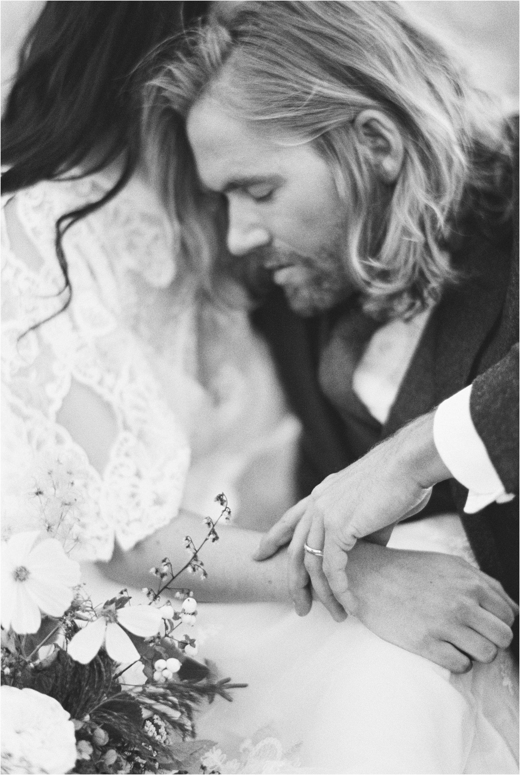 montana_wedding_jeremiahrachelphotography_resort_at_paws_up0036.JPG