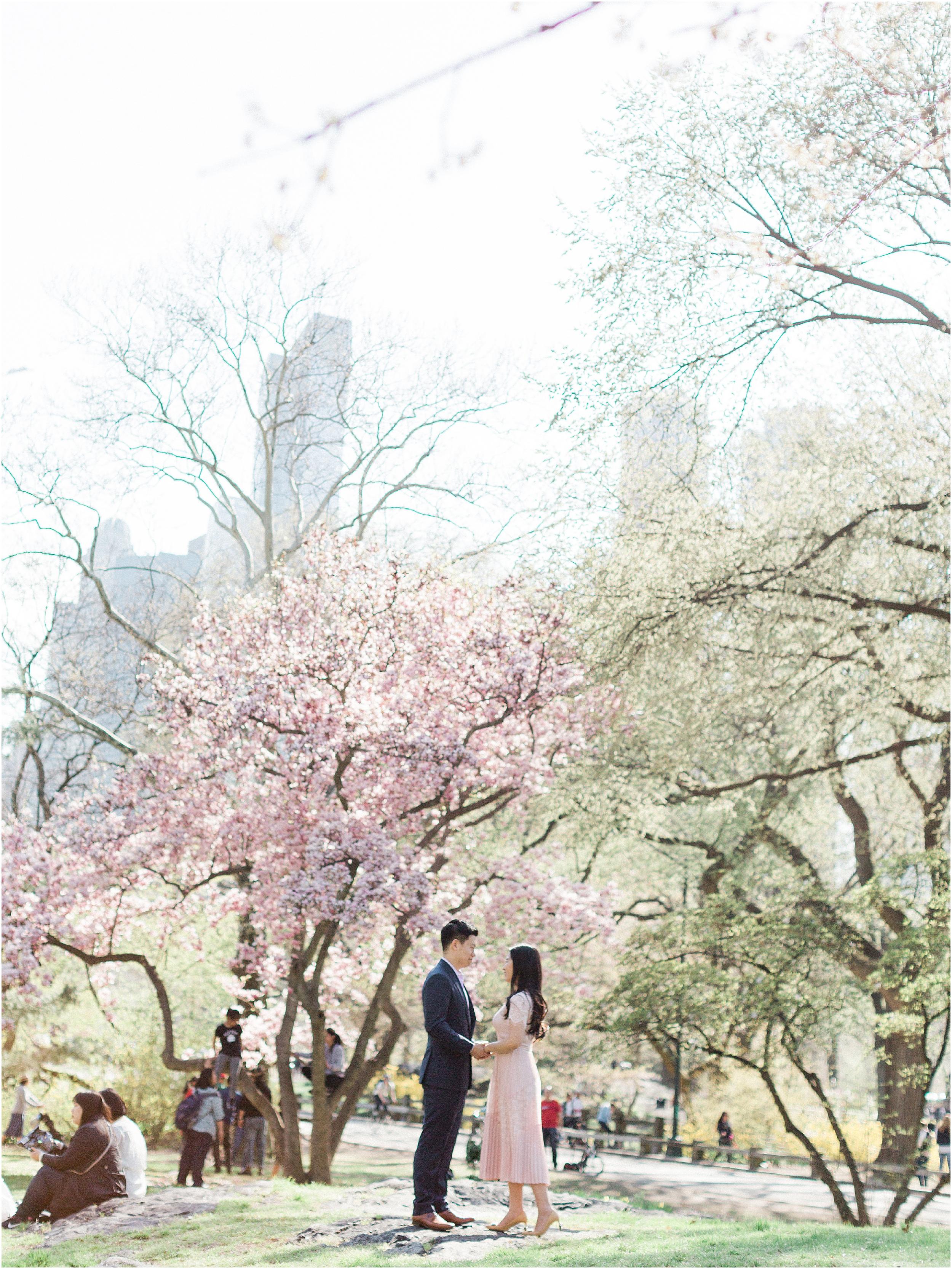 JeremiahRachelPhotography_CentralPark_NYC_SpringtimeBloom_EngagementSession0014.JPG