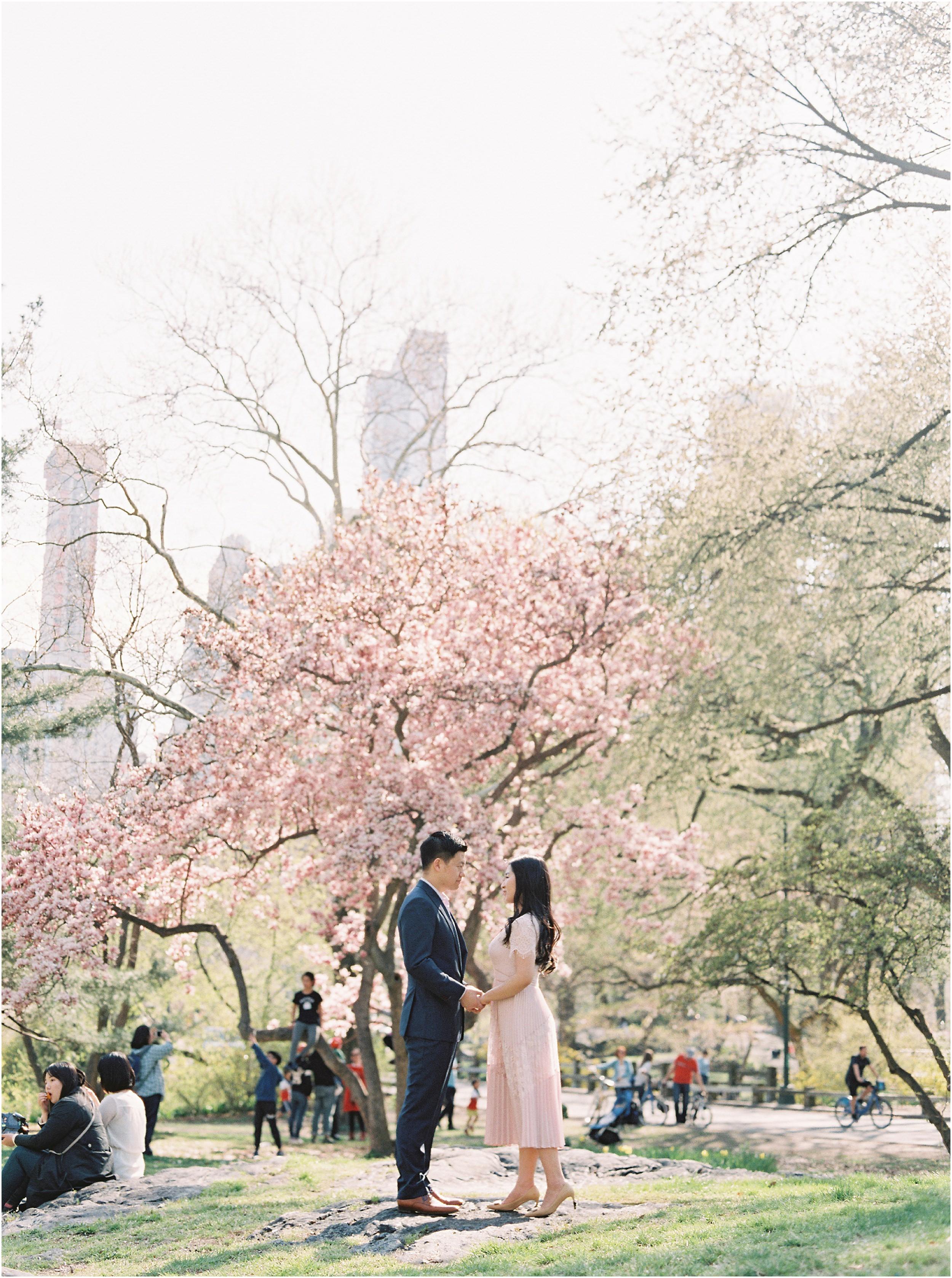 JeremiahRachelPhotography_CentralPark_NYC_SpringtimeBloom_EngagementSession0018.JPG