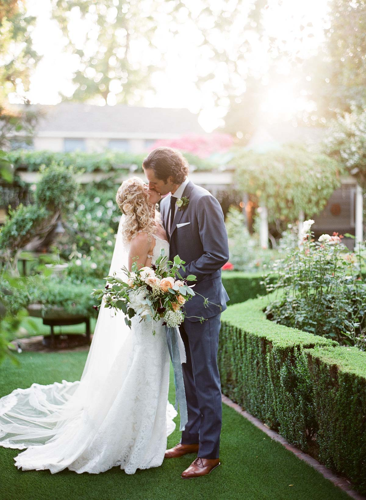 Lauren_Travis_Backyard_California_Wedding (c) Greg_Finck-080.jpg