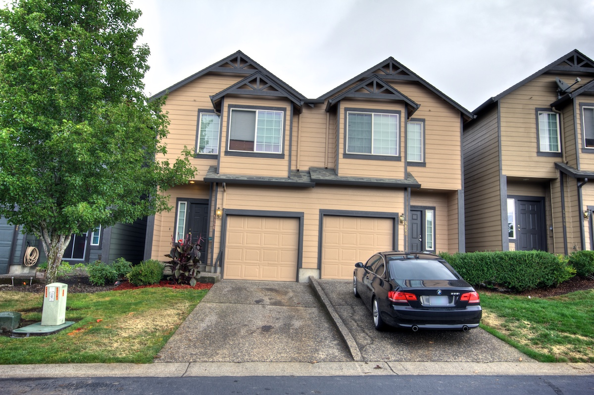 front of 2 story house for sale in gresham, oregon