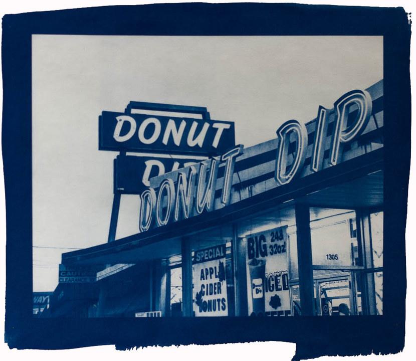 donutdip1.jpg