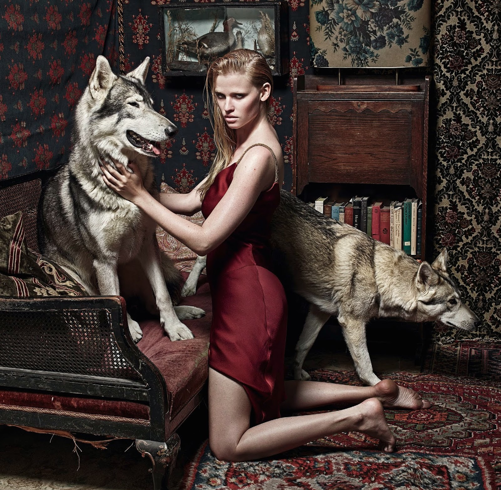 lara-stone-by-mario-sorrenti-for-vogue-uk-september-2014-7.jpg