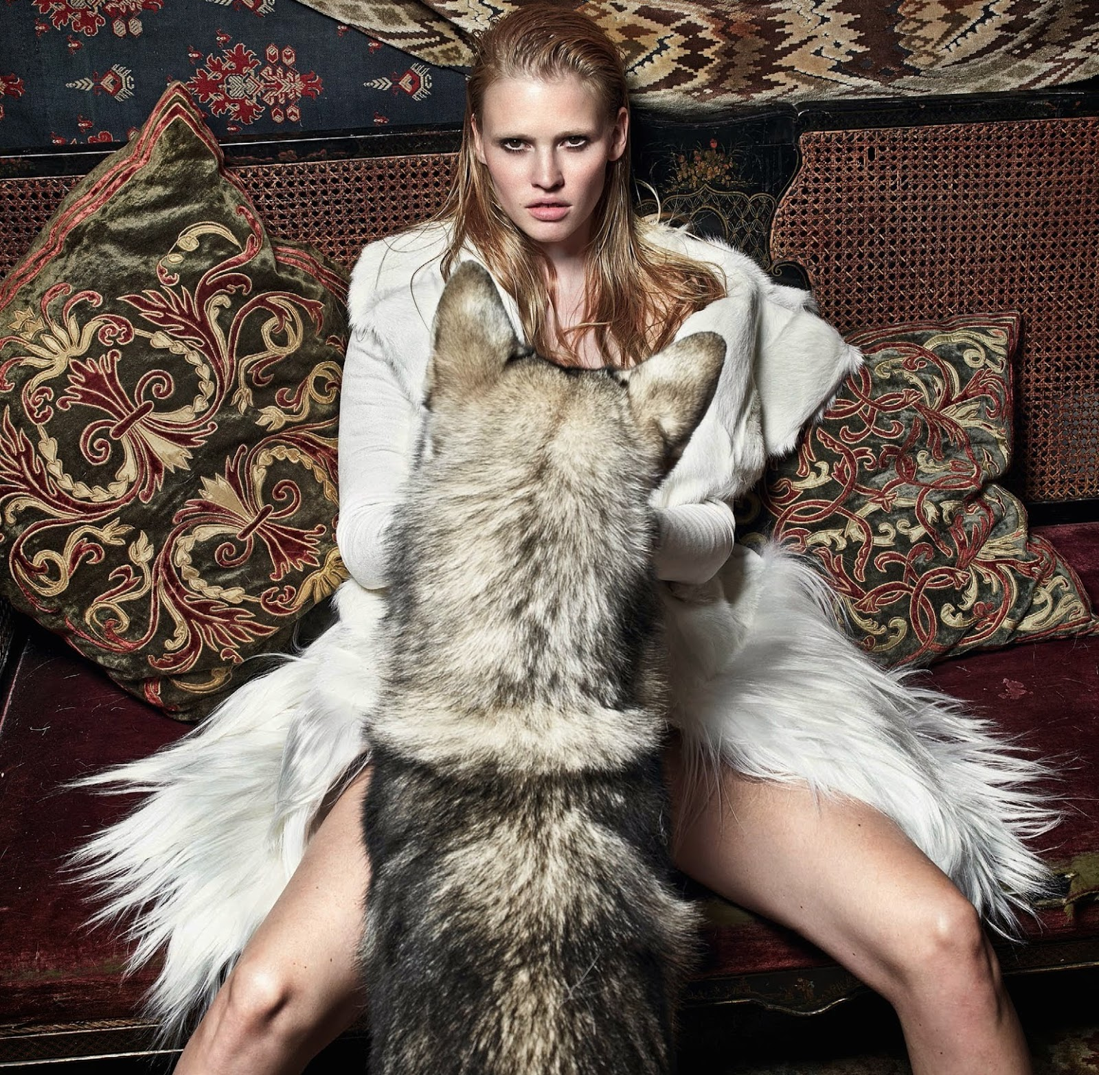 lara-stone-by-mario-sorrenti-for-vogue-uk-september-2014-9.jpg