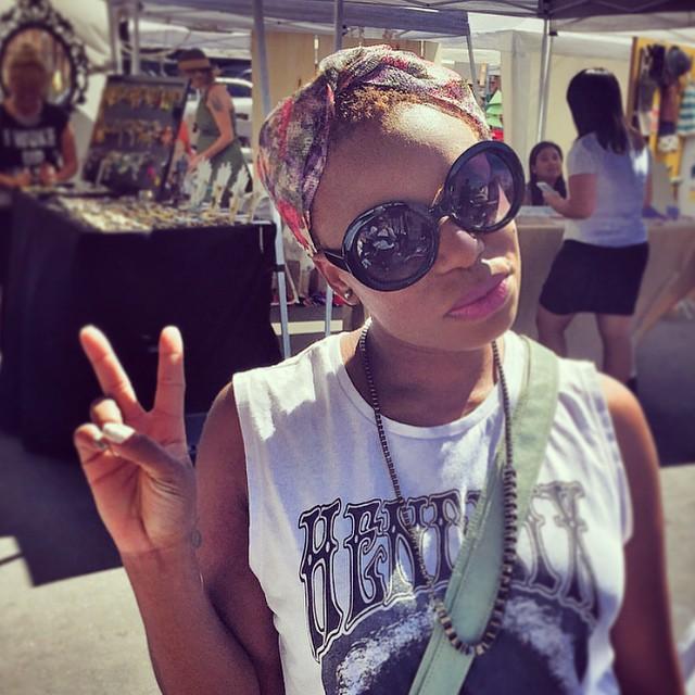 Good vibes and gorgeous weather all day long at @artistsandfleas yesterday.    Turban straw headband | @unahats   ______________________________________  #AFinLA #Artistsandfleas #dtla #madeinLa #coachella #brokechella #streetstyle #turban #turband #turbanista #festivalstyle #festivalfashion #coachellastyle #unahats (at Artists & Fleas)