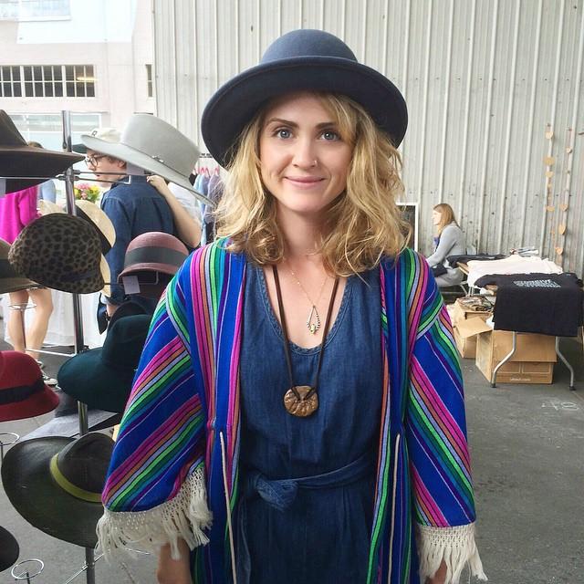 @monicajewelryca at @artistsandfleas   Love her style head to toe. That jacket/poncho 😍 Hat by (me) @unahats   ______________________________________  #Artistsandfleas #AFinLA #dtla #LosAngeles #madeinLa #hat #anniehallhat #millinery #milliner #hatshop #unahats #boho #bohemian #bohochic #coachella #coachellahat #coachellastyle