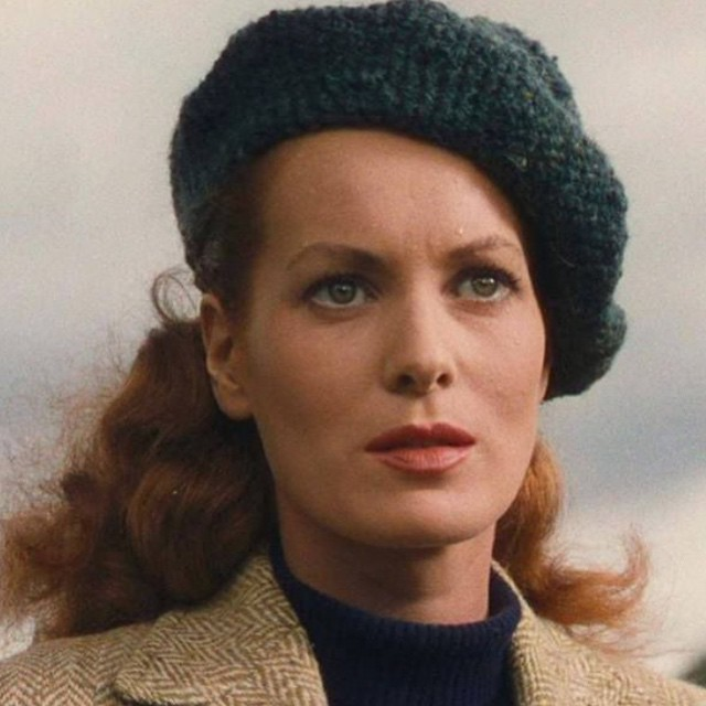 🍀 Queen of the tam o'shanter 🍀 #maureenOhara #thequietman    Vintage hat inspiration just in time for #StPatricksDay 🍀 _____________________________________  #vintagestyle #vintagehollywood #tamoshanter #hat #beret #stpatricks #tbt #irish #ireland #inspiration #strongwomen #green