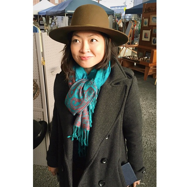 "I think this nomad soul met their match. #hat #unahats   The lovely @amytwon swung by at @artistsandfleas this weekend to give the ""traveller"" style hat a twirl. It was getting antsy.    ________________________________________ #nomad #gypsy #gypsyheart #widebrimhat #felthat #streetstyle #style #felthat #hatlove #madeinLa #DTLA  #artistsandfleas #AFinLA #artsdistrictdtla #womenswear #widebrimhat (at Artists & Fleas)"