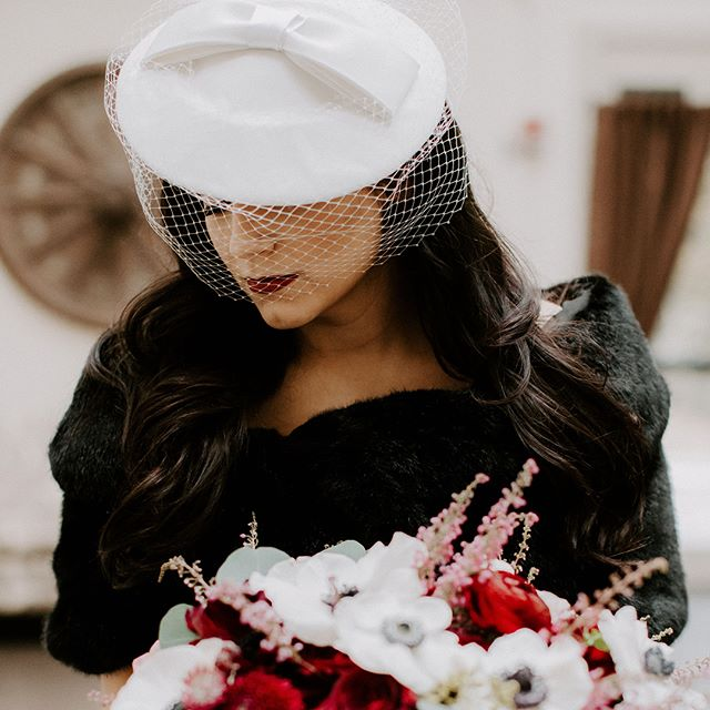 The gorgeous bride 💕Thank you @rebeccamaca13 for letting one of my pieces be a part of your stunning wedding look. Wishing you many years filled of joy and happiness.  #veil #weddingheadpiece #winterwedding #vintagewedding #retrowedding #weddinghat ##weddingveil #unahats #bridalheadpiece #bridalhat #bridalfascinator #bridalveil #birdcageveil