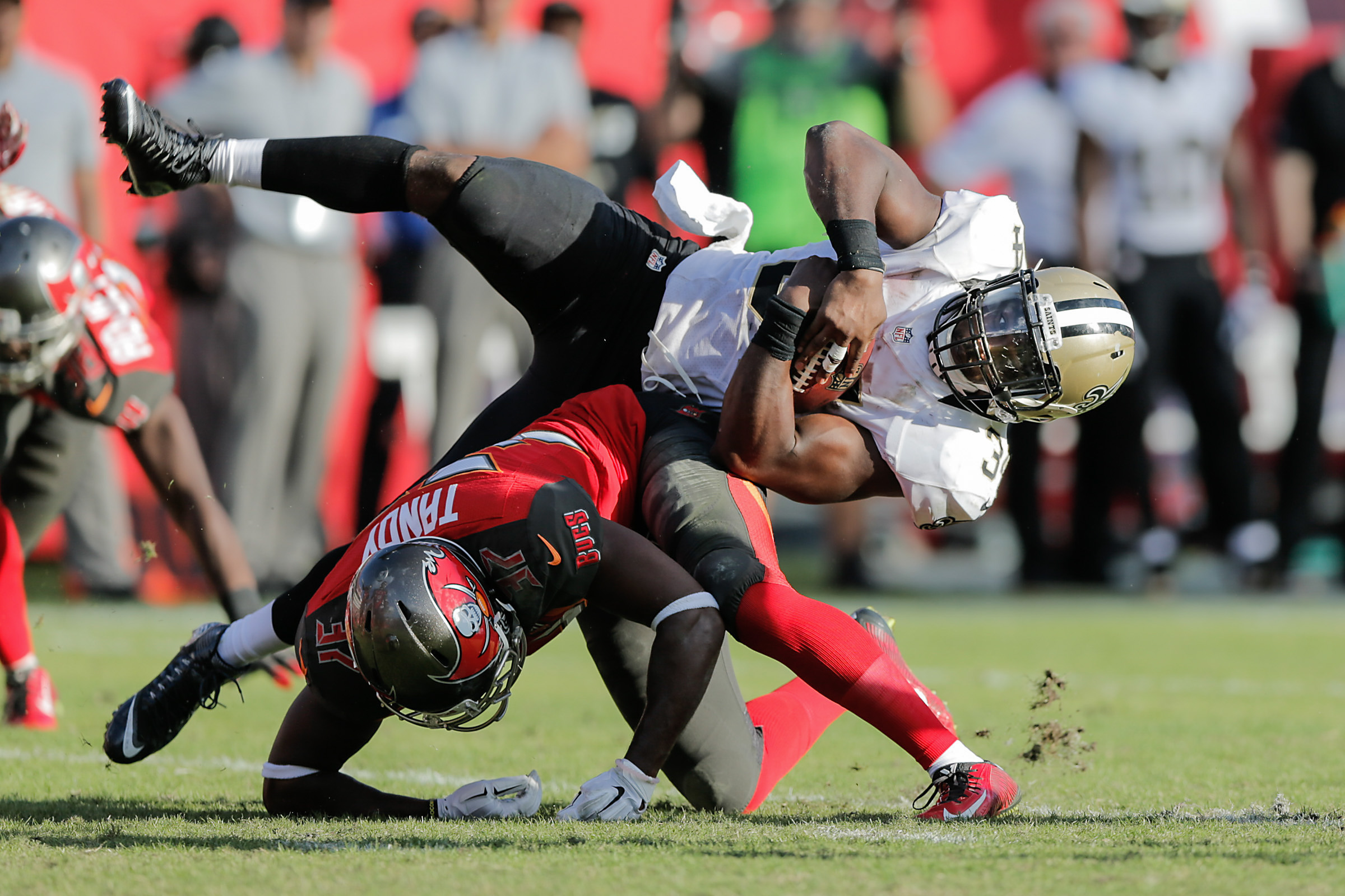 NFL 2015 - Bucs vs Saints 2006.jpg