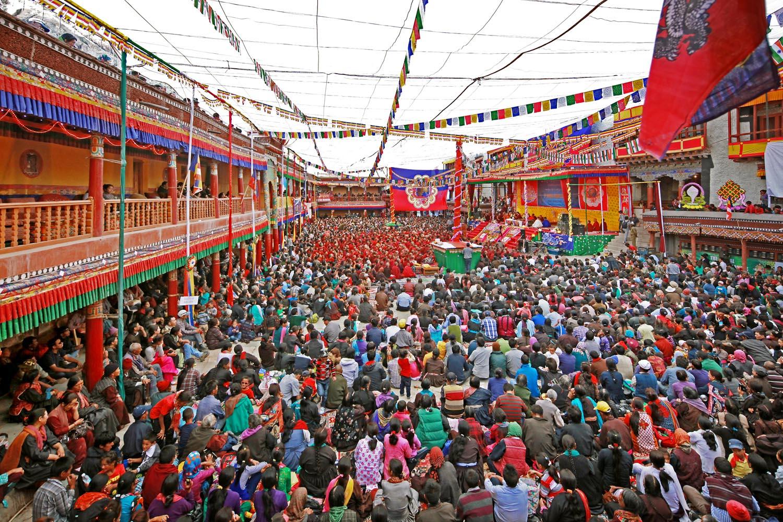Packed audience, Hemis Monastery