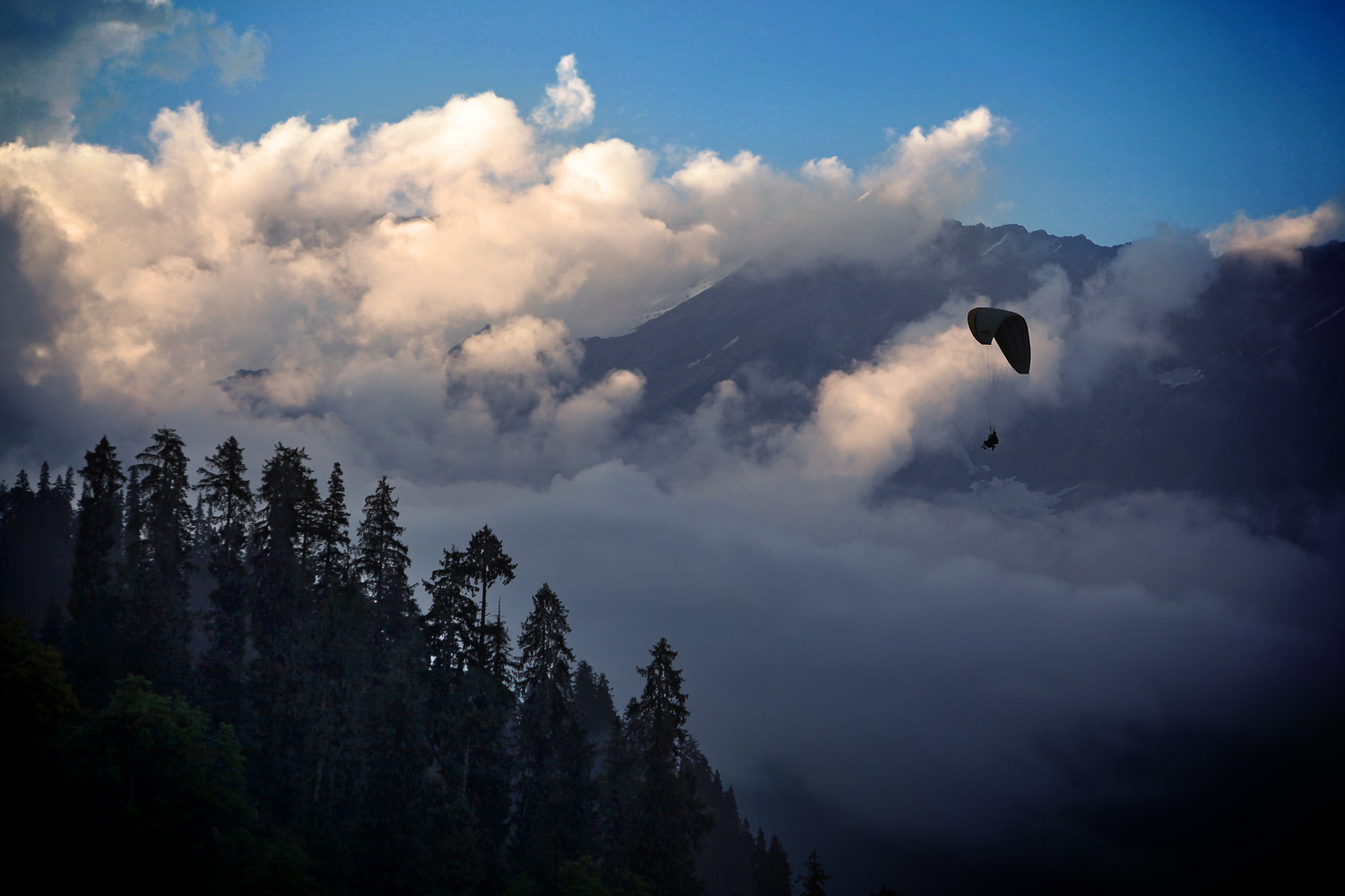 Paragliding Solang Valley, Himachal Pradesh, India