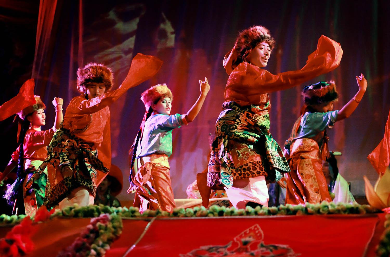 Theatrical performance by Drukpa nuns, Hemis Monastery