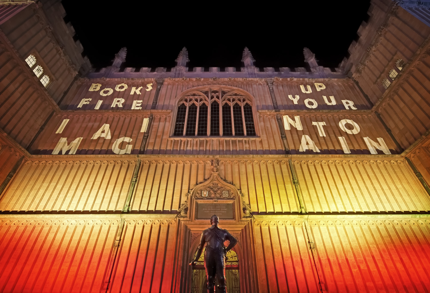 The Bodleian Library in Oxford lit up for the 2017 Night of Heritage Light.