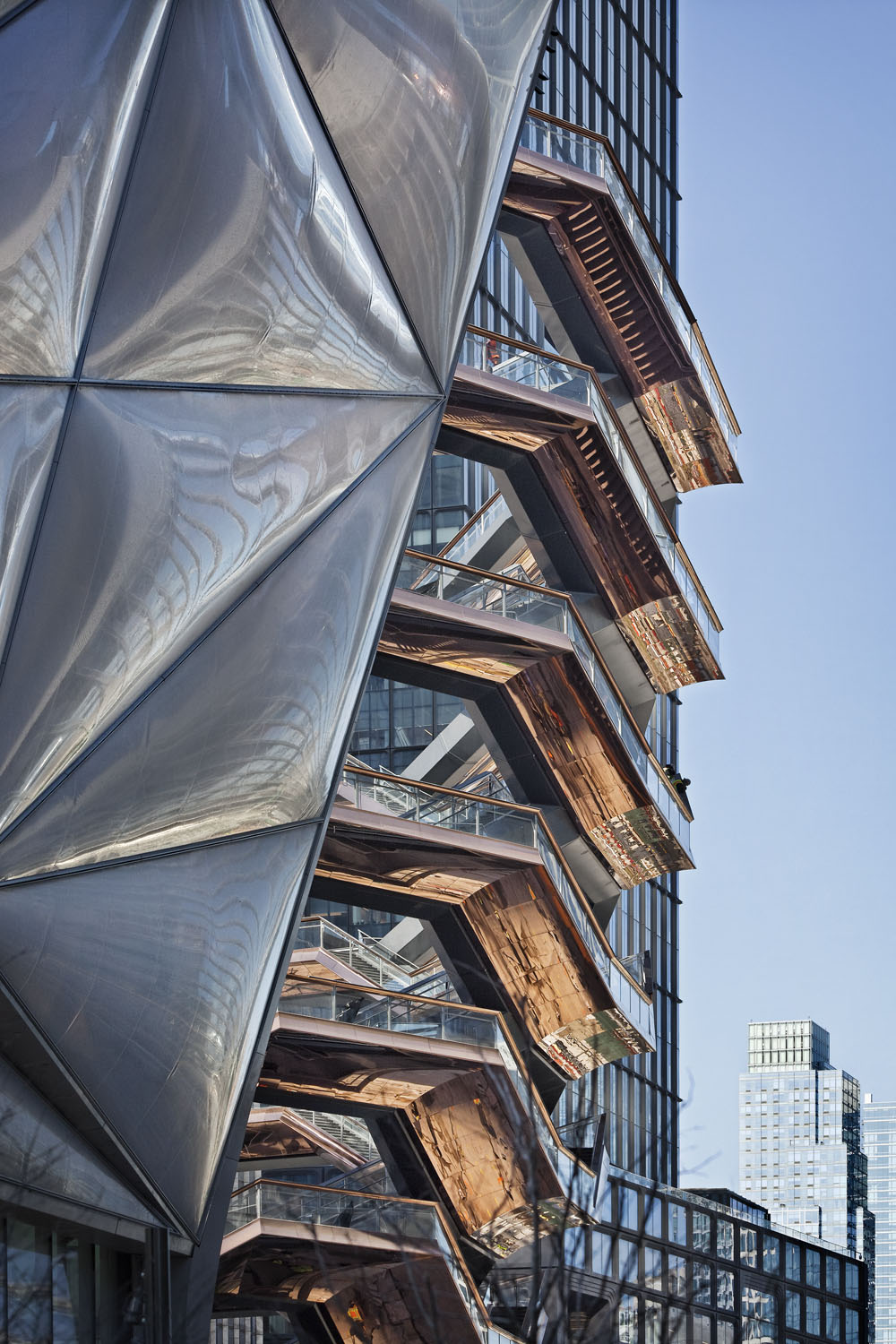 "Kohn Pedersen Fox - KPF's new Manhattan development, Hudson Yards including the public sculpture ""Vessel"" by Thomas Heatherwick. Shot from and around the High Line, Manhattan, New York City, USA."