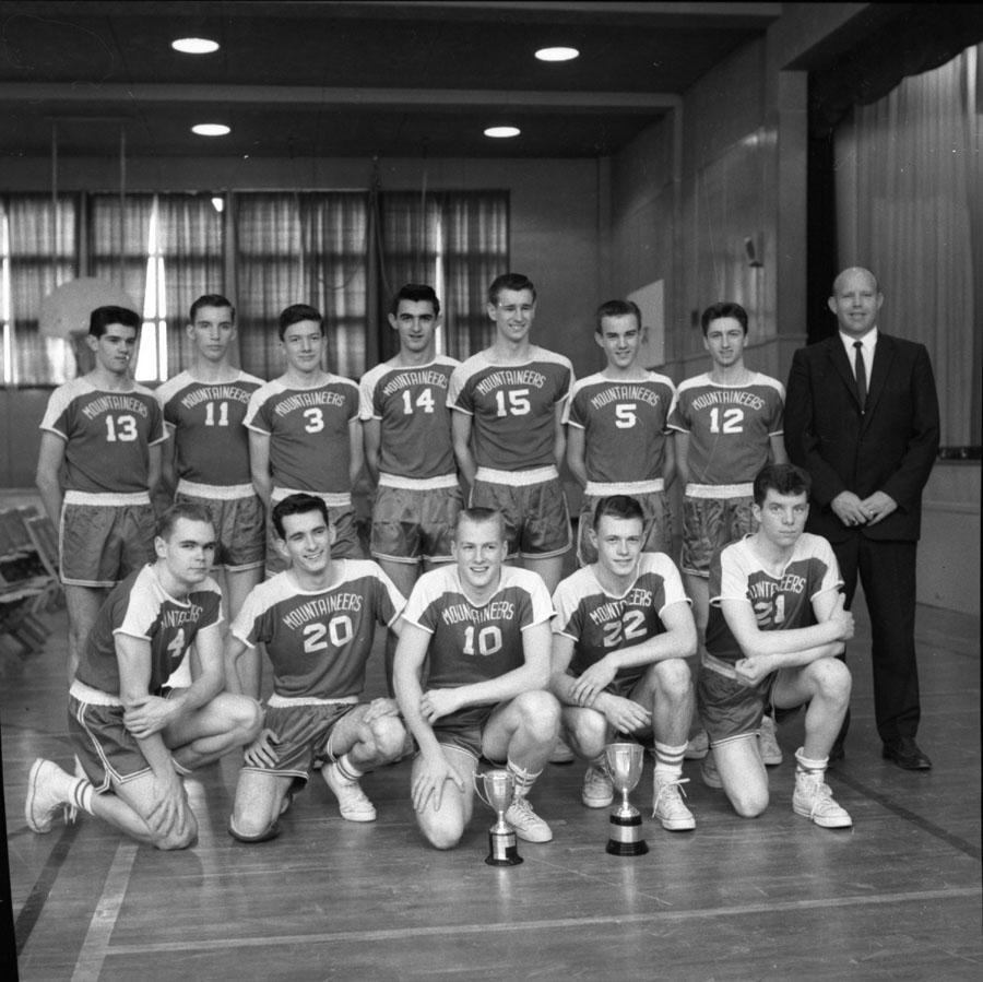 High School Basketball Team [DN-255]