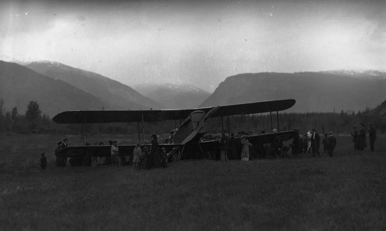 First Transcontinental Flight at Revelstoke, 1920 [DN-660]