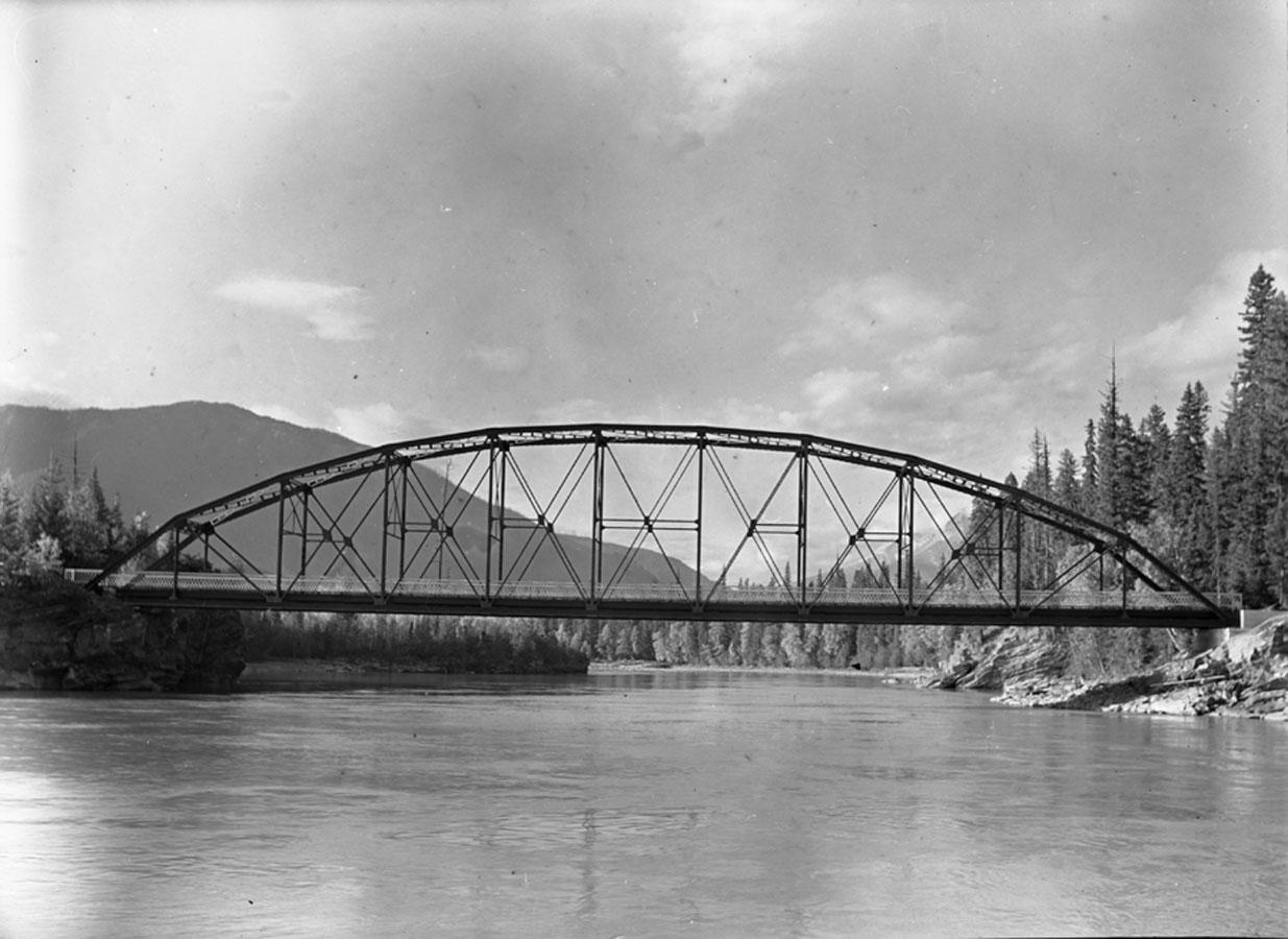 Bridge over Canoe River [DN-333]