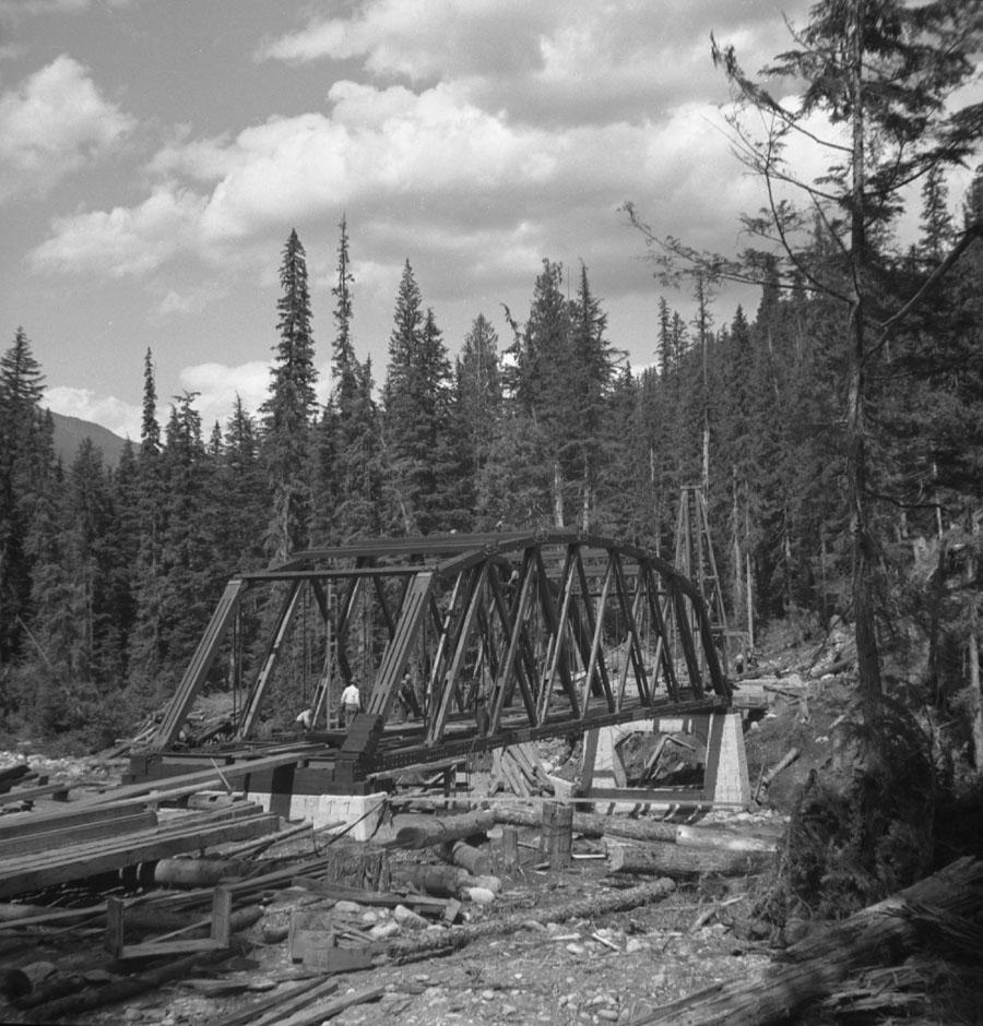 Bridge over Bigmouth Creek [DN-335]