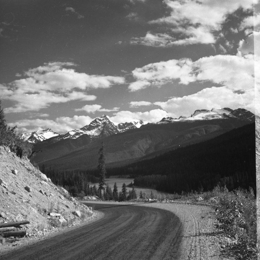 Frenchman's Cap, Big Bend Highway [DN-956]