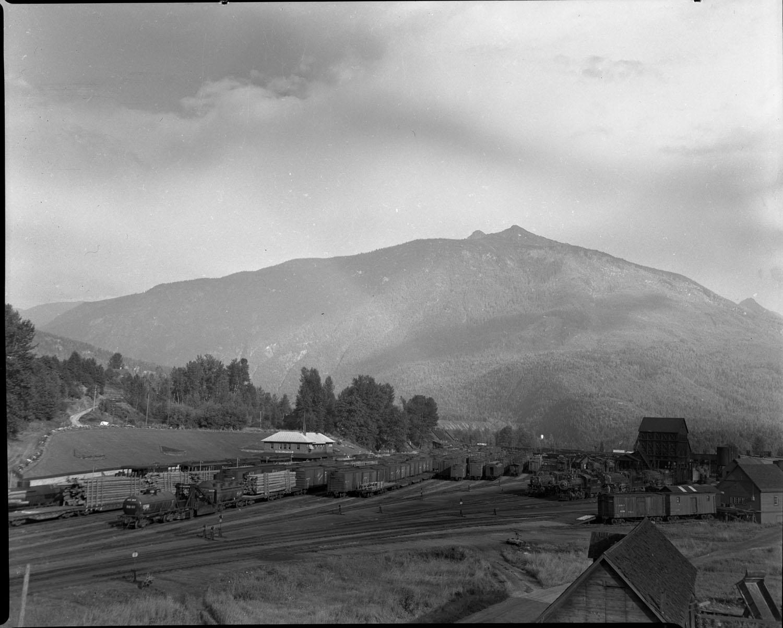 CPR Yard, 1950 [DN-22]
