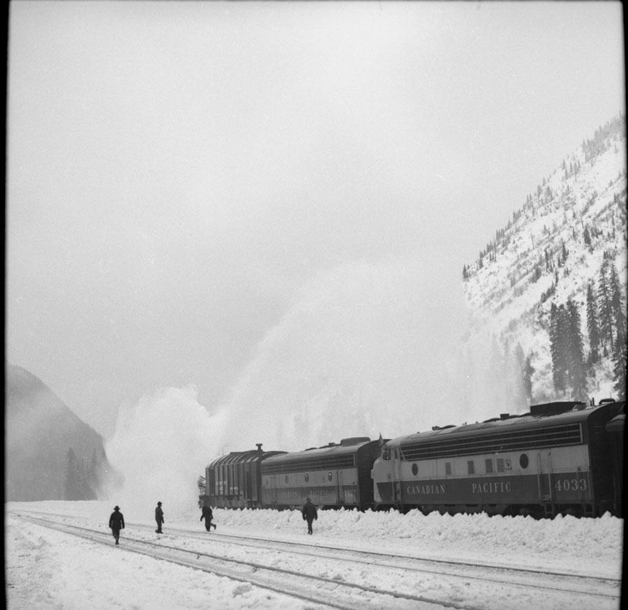 Diesel Locomotive Near Revelstoke [DN-149]