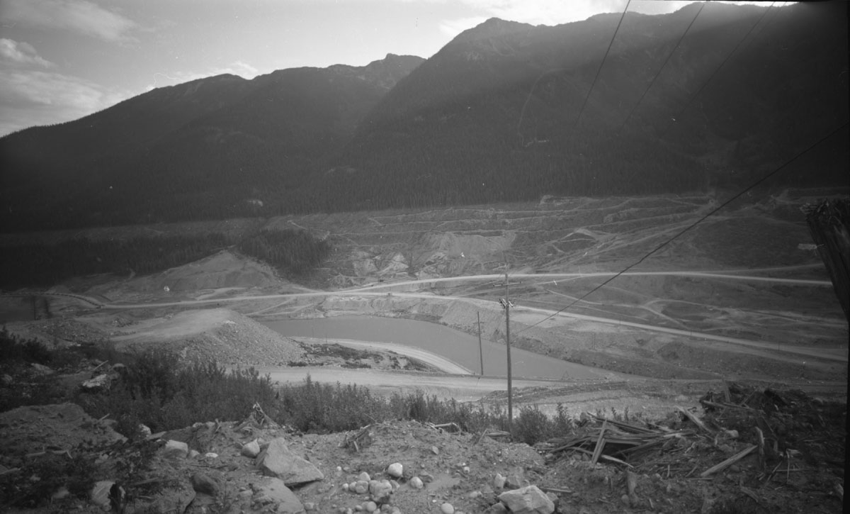 Mica Dam Construction [DN-326]