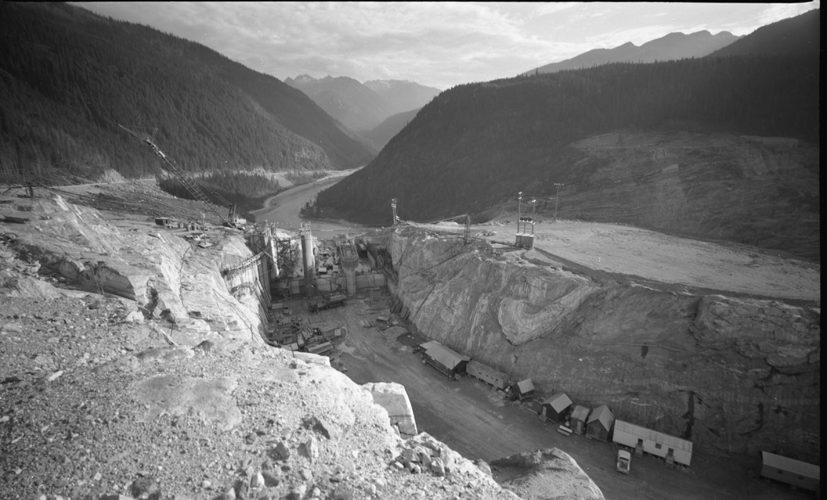 Mica Dam Construction [DN-327]