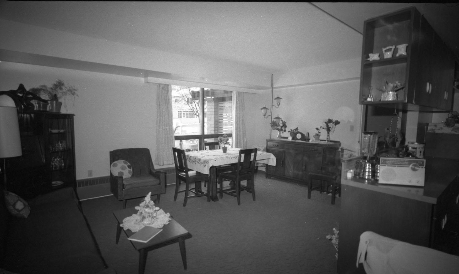 Moberly Manor Interior [DN-605]