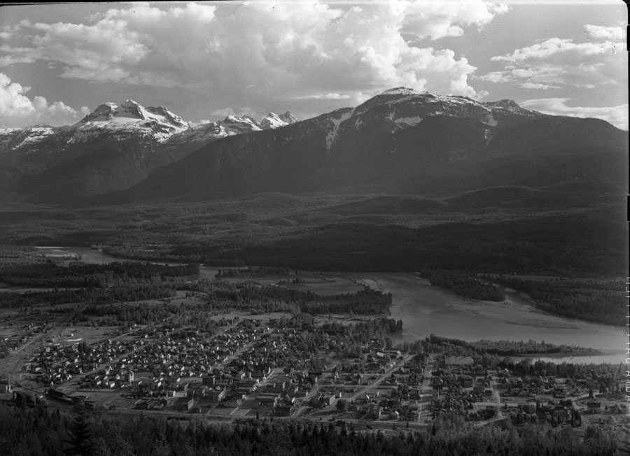 Revelstoke from Viewpoint [DN-21]